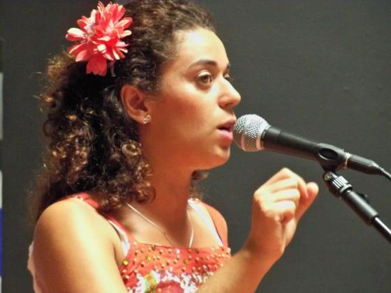 Narrando histórias para adolescentes em Museo del Rayo na Colombia  / Outubro 2012
